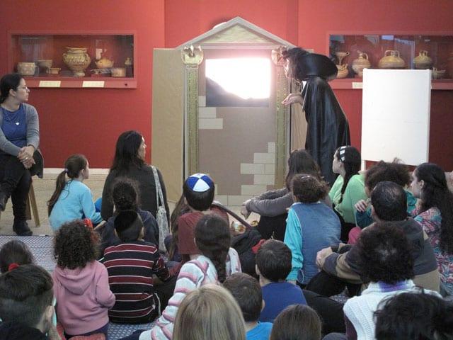 חנוכה במוזיאון ארצות המקרא.