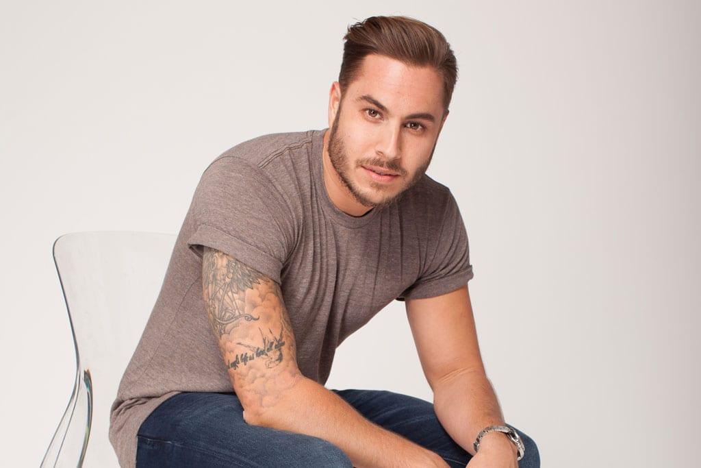 מגזין אופנה: טום אביב המאסטר שף של ישראלנבחר להוביל את הקו הגברי והצעיר של רשת נעלי TOGO-1