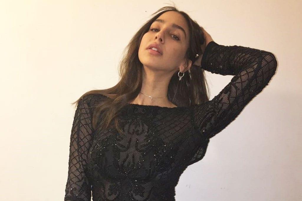 מגזין אופנה: שני גולדשטיין, דיירת ״האח הגדול 8״, נכנסה אל הבית בשמלה של המעצבת ברטה