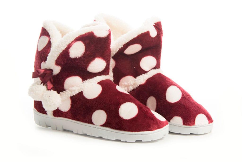 מגזין אופנה: נעלי מבית מפרווה מפנקת וחמימה-1