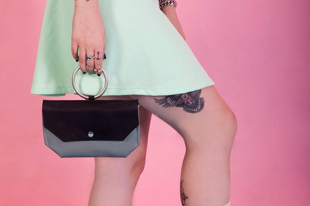 מגזין אופנה, דוכן פופ אפ ייחודי בקניון עזריאלי הוד השרון -תיקים טבעוניים-1