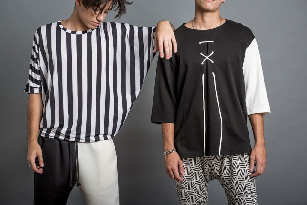 בתמונה: חולצת פסים: 179 שקל. מכנסיים: 239 שקל. חולצת שרוול לבן: 199 שקל. צילום: נתי גולד - 1