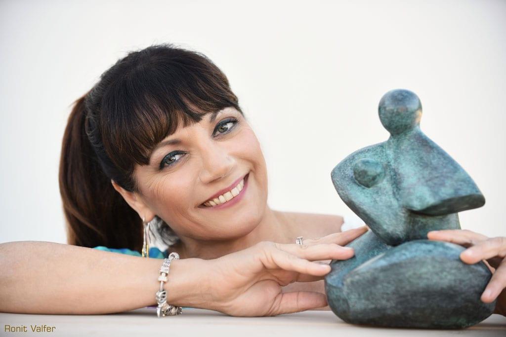 מגזין אמנות, רונית טסלר עדן פתחה השבוע גלריה ובית חם לאומנות ברמת אביב