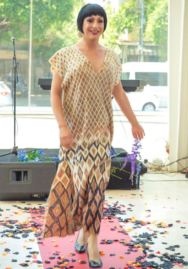 טל קלאי בתיאטרון הבימה בתצוגת אופנה: ״היפוך מגדרי״ בשיתוף המרכז הגאה, efifo, אתר אופנה.  <a href=