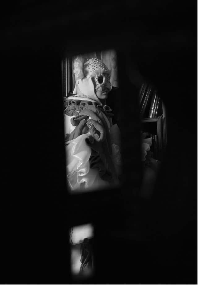 עיצוב אופנה: אהרון ישראל גניש - המרכז האקדמי ויצו חיפה, קונספט והפקה: אפי אליסי - עורך Efifo, צילום: מני פל, ארטדירקטור: ליז פלנסיה, איפור ועיצוב שיער: מרום טל, דוגמנית: Anna ל-MC2, ע.צילום: דימה שבצ׳נקו - אופנה, מגזין אופנה, חדשות אופנה, כתבות אופנה, Fashiom Magazine, Fashion, Efifo ,מגזין אופנה ישראלי, מגזין אופנה ועיצוב, עיתון אופנה, מגזין אופנה אונליין, טרנדים, סטייל - ש6