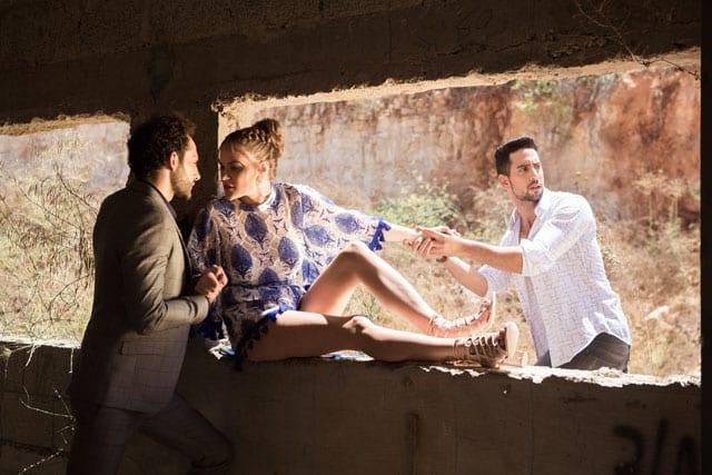 ביגוד והנעלה: ליידי & ג'נטמן, מונה ליזה, שעונים: שעוני סלבס, תכשיטים: שרון סטאר