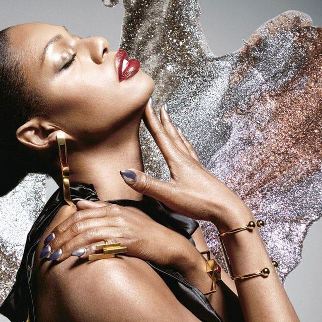 בצילום: אופנה - לאוורן קוקס (laverne cox). בקולקציה משותפת עם מותג הלק אורלי. צילום: יח״צ חו״ל - 3