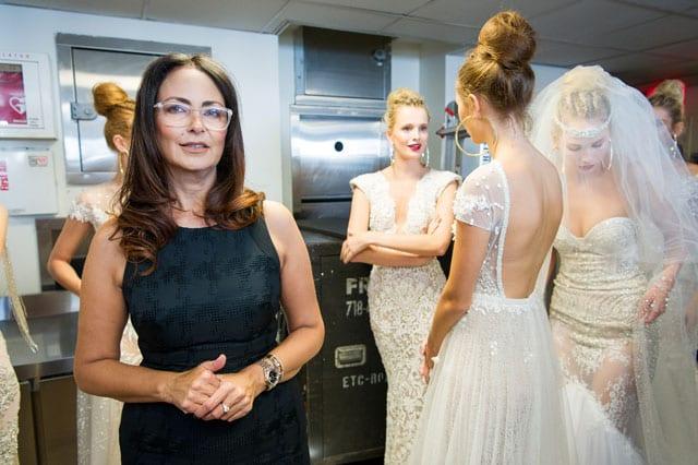 ברטה הציגה בשבוע האופנה לכלות בניו יורק את קולקציית 2017-16-15