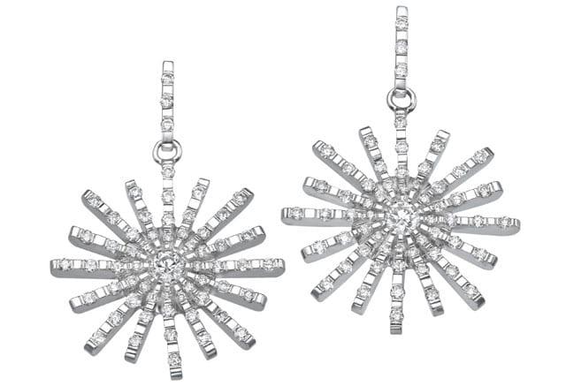 עגילי יהלום, עגילי זהב, עגילי יהלומים, עגילי זהב לבן ויהלומים של בלום, צילום: יח״צ, efifo, אתר אופנה