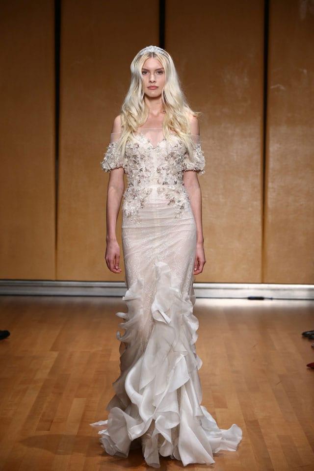 בתמונה: Inbal Dror Bride Dress. שמלת כלה של ענבל דרור. צילום: אייל נבו - 10