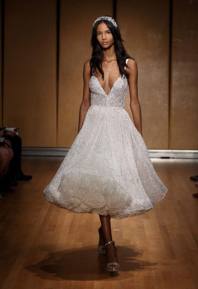בתמונה: Inbal Dror Bride Dress. שמלת כלה של ענבל דרור. צילום: אייל נבו -