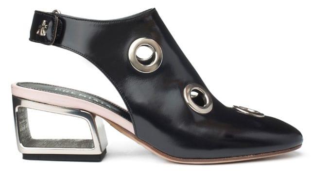 נעלי עקב לנשף פרום של אוריגינלס. מחיר: 2,290 שקל. צילום: קמילה סימון. ניתן להשיג ברשת אוריגינלס, נעלי עקב לנשים, נעלי עקב שחורות, נעלי נשף, נעלי אירועים, נעלי עקב נוצצות, נעלי נשף, efifo, אתר אופנה, prom