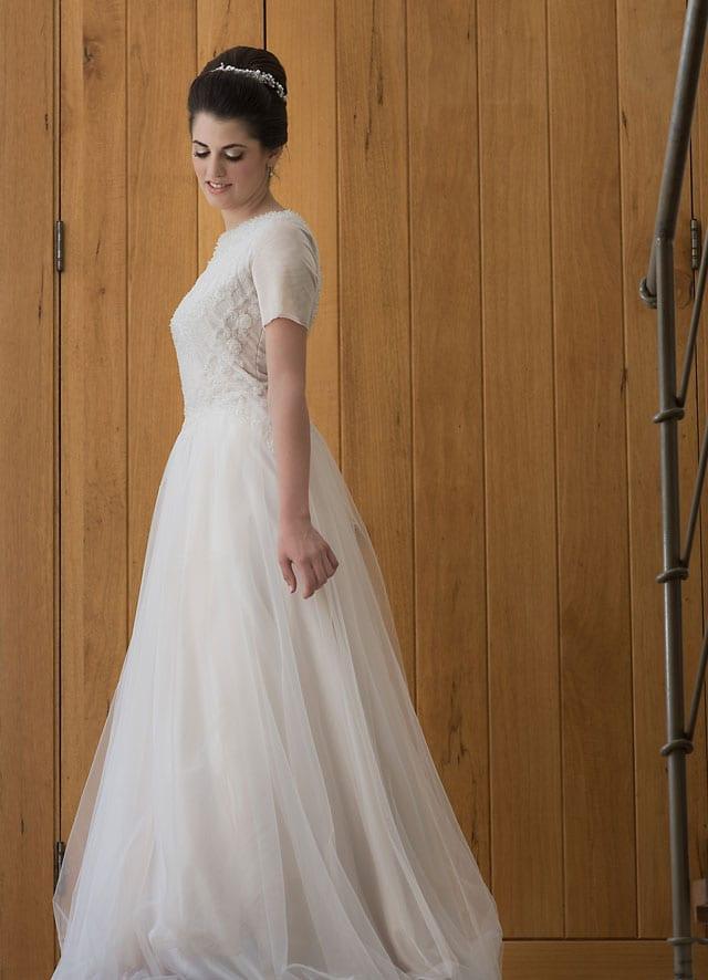 EFIFO אתר אופנה, עדילי שמלות כלה. החל מ-2500 שקל. צילום: מיטל בוגנים