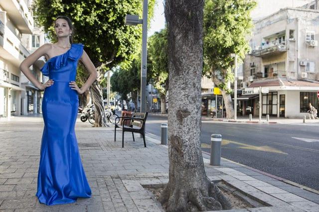 בתמונה: שמלת ערב, שמלות ערב. צילום: ג'ון מק'ריי (JOHN MCRAE)
