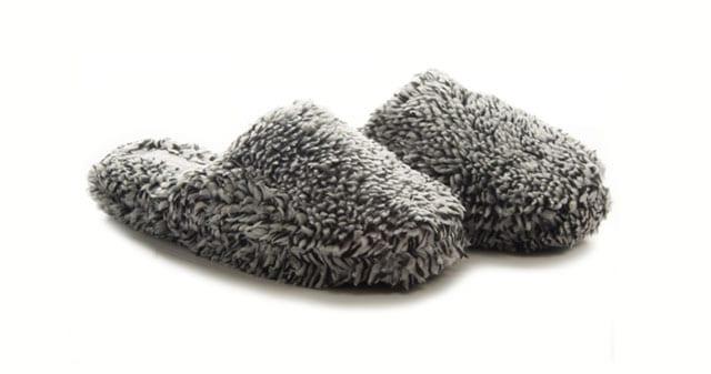 מגזין אופנה: נעלי מבית מפרווה מפנקת וחמימה-3