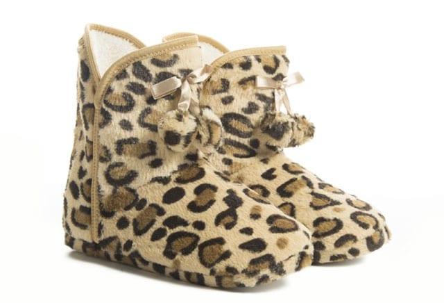 מגזין אופנה: נעלי מבית מפרווה מפנקת וחמימה-6