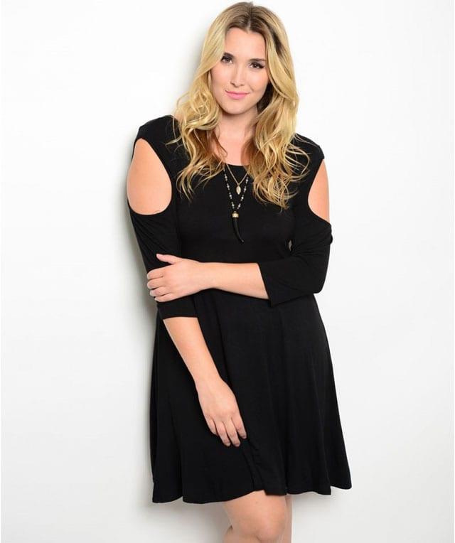 שמלה שחורה ולבנה למידות גדולות