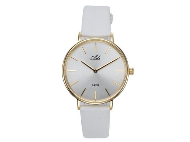מגזין אופנה. שעוני עדי, שעון צבע פסטל, 445 שקל. צילום: אלכס קרוצנקו