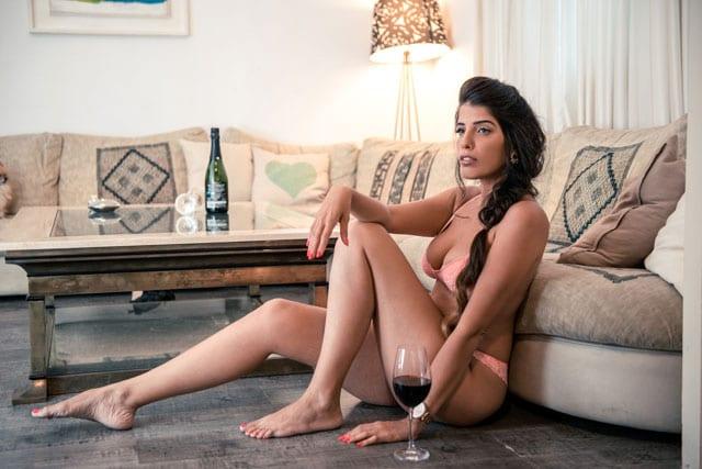 מגזין יום כיפור תשע״ז. ראיון עם הדוגמנית ומעצבת התכשיטים דיאנה קשתי-4