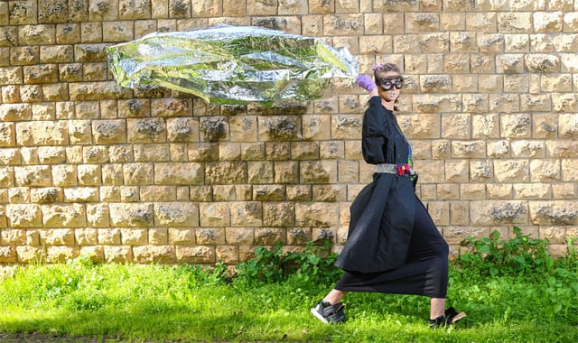 FASHION. ANTI FASHION, אופנה. אנטי אופנה, אופנה:צילום: אנטון סרקין, אנג'לינה גולינה, סטיילינג: קטי מינביץ, איפור: סבטלנה קוטלב, עיצוב שיער: ולנטינה שאצקי, דוגמנית: קסניה סטפנוב, אופנה: בוטיק G&I, תמרה (זכרון יעקוב), דורית שדה, בוטיק ורנר, EFIFO, אתר אופנה, EFIFO אתר אופנה-3