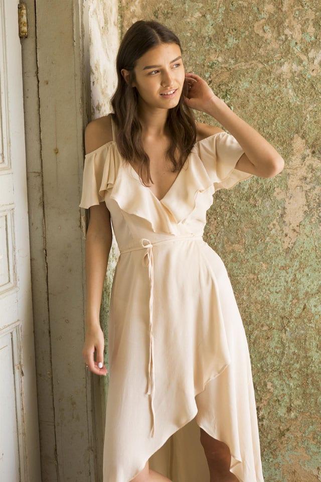 שמלה ניוד לנשף פרום של Adika, Adika, שמלה ניוד של Adika, שמלת ערב ניוד, שמלה ניוד לנשף, שמלה ניוד של Adika לנשף פרום, שמלה למסיבה, שמלה לאירועים, שמלה של Adika, שמלת ערב ניוד של Adika, אופנה, fashion, style, trend, אופנה, efifo, אתר אופנה, טרנד, סטייל