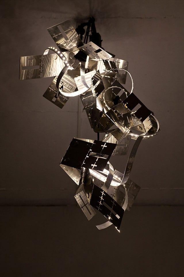 בצילום: עבודה של המעצב התעשייתי ומעצב המוצר, אלון רזגור (Alon Rezgur). צילום: יח״צ - 6