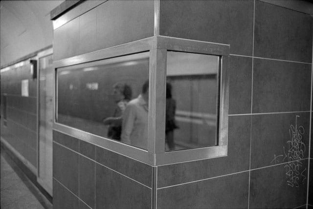 גלריית המדרשה בירקון 19 מציגה שתי תערוכות חדשות: ״IT TAKES TIME TO BECOME YOUNG״, התערוכה של ג'ניפר אבסירה ואמיתי רינג, ״צילומים״, תערוכת יחיד של איתי אייזנשטיין-2
