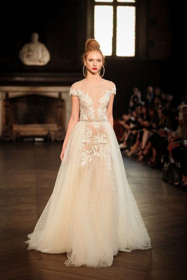 ברטה הציגה בשבוע האופנה לכלות בניו יורק את קולקציית 2017-32