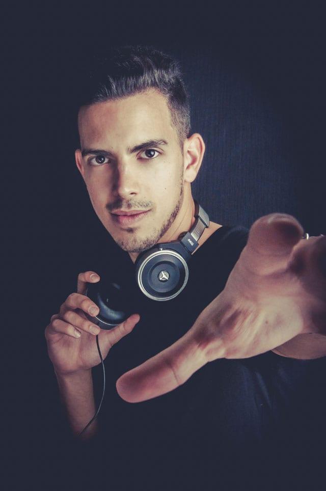 דביר גיחז, 25, ישיק תערוכת צילום ראשונה במרכז הגאה בתל אביב-14