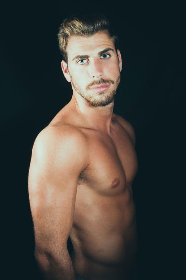 דביר גיחז, 25, ישיק תערוכת צילום ראשונה במרכז הגאה בתל אביב-5