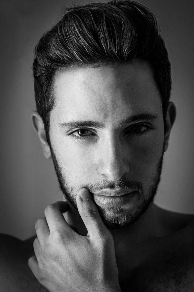 דביר גיחז, 25, ישיק תערוכת צילום ראשונה במרכז הגאה בתל אביב-4
