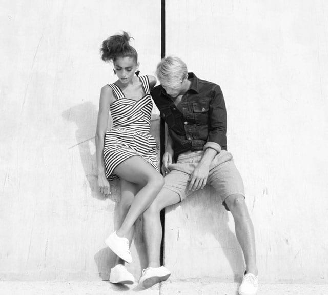 בתמונה: שירה-שמלה: מדנס, נעליים: ואנס, עגילים: וינטג' שרון סטאר. ארד-מכנסיים וז׳קט: sketch, נעליים: ואנס