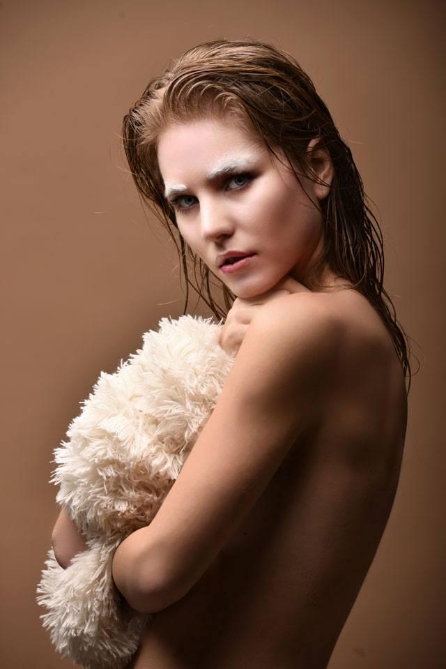 Women Fashion: Warm and Cozy, Photography: Meni Pal-4