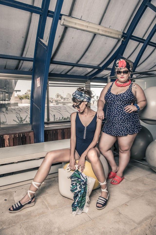 בצילום: דנה-בגד ים: No1, מטפחת: Golf, משקפיים: Carolina Lemke, נעליים: We Shoes, תכשיטים: Neo. ענבל-בגד ים: Intima, מטפחת: Golf, משקפיים: Golf, נעליים: Nine West, שמיכת חוף ותיק: Rich Beach. הפקה וקונספט: אפי אליסי - Efifo,ארטדירקטורית וסטיילינג: ליז פלנסיה, צילום: מני פל,עיצוב שיער: מאור דהרי, איפור: מימי איילון,דוגמניות: דנה עמיר, ענבל אדלר,ע. צילום: עדי שובל, ע. סטיילינג: אתי פלנסיה,ההפקה צולמה ב:ג'ימי מועדון כושר ובריכה