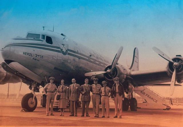 בצילום: אל על. נחיתה בפריס 1949. מתוך אוסף מרוין גולדמן