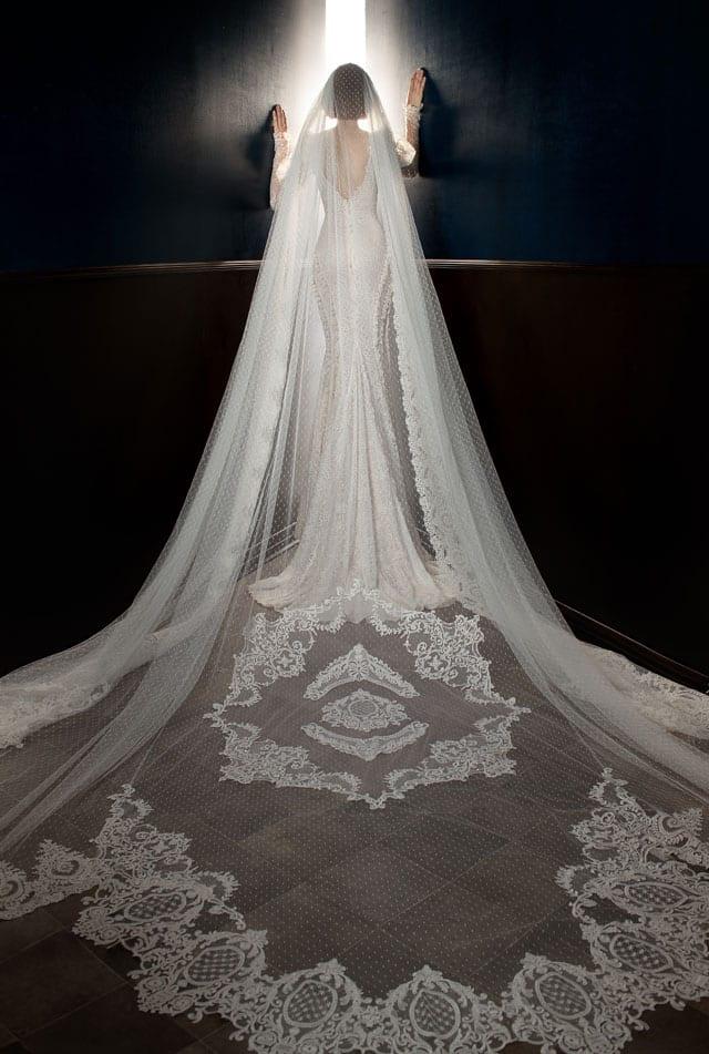 בצילום: שמלת כלה של גליה להב. 2017-18. צילום: יח״צ -1111