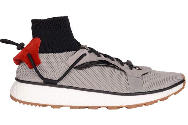 נעל.אלכסנדר וונג, מעצב העל הניו יורקי עיצב לאדידס קולקציית קפסולה. שיתוף הפעולה בין Alexander Wang ובין adidas Originals יושק ב-15 לאפריל. להשיג באתר של פקטורי 54-5