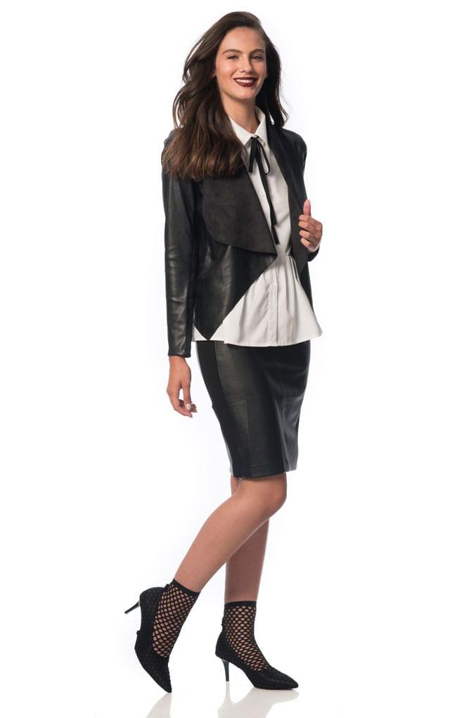 H&O. ז'קט דמוי עור: 179.90 שקל, חצאית דמוי עור: 99.90 שקל, חולצת אריג: 79.90 שקל. צילום: עידו לביא