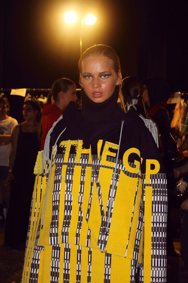 בתמונה: תצוגת אופנה של בוגר שנקר 2017. צילום: עומר רביבי - 15