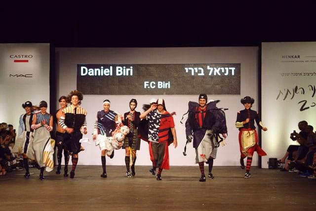 בתמונה: תצוגת אופנה של בוגר שנקר 2017. צילום: עומר רביבי - 9