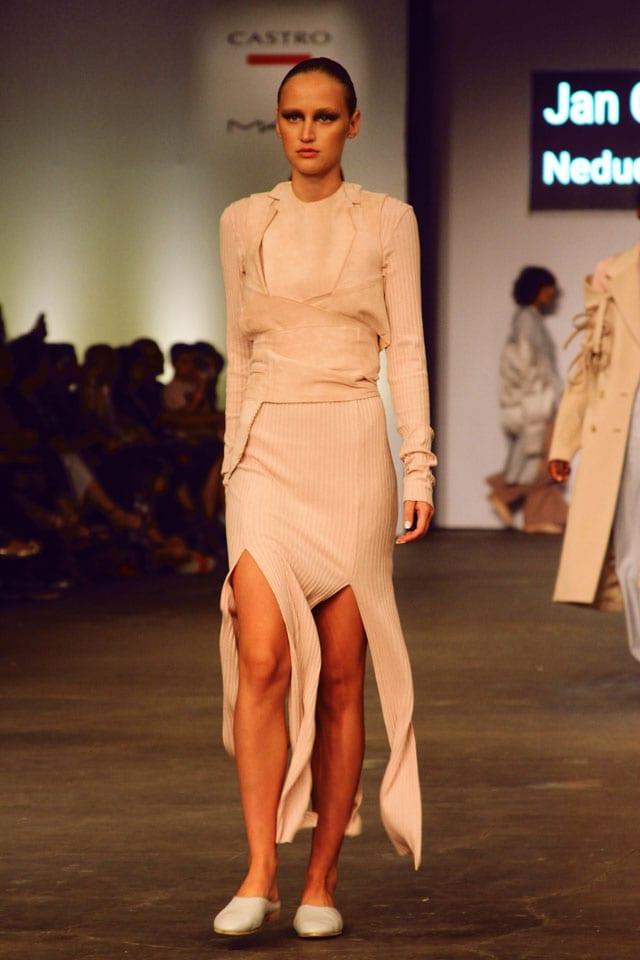 בתמונה: תצוגת אופנה של בוגר שנקר 2017. צילום: עומר רביבי - 5