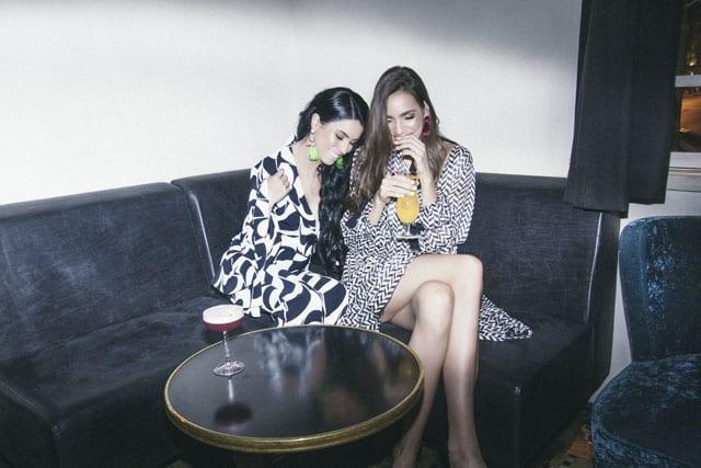 בצילום: שמלה וחליפה: רות אטלייה, עגילים: זארה, נעליים: קסטרו