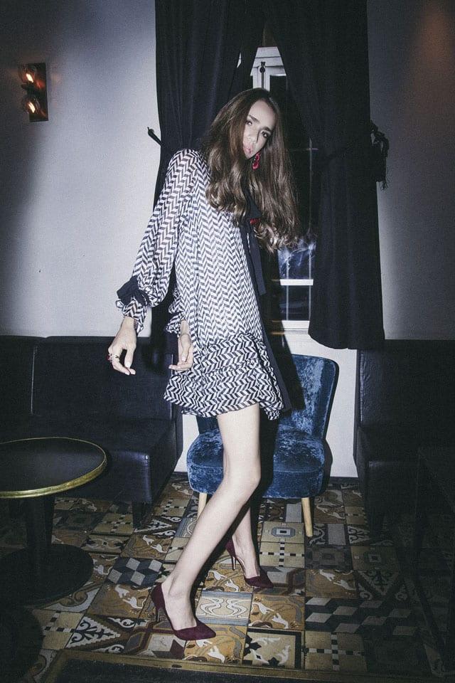 בצילום: שמלה: רות אטלייה, עגילים: זארה, נעליים: קסטרו