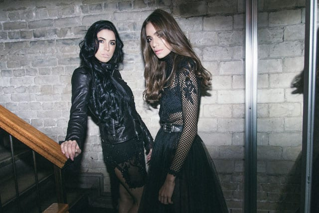 בצילום: חצאית וחולצה: רות אטלייה, חגורה: אוסף פרטי, שמלה וזקט עור: רות אטלייה,