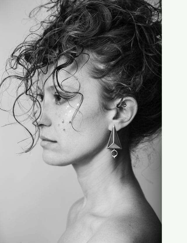 צילום Anastasia Shein, איפור Lana shvartman, תכשיטים Yuli's Jwl. עגילים, טבעות, שרשראות, קולרים, צמידים, EFIFO, אופנה, אתר אופנה, תכשיטים-1315