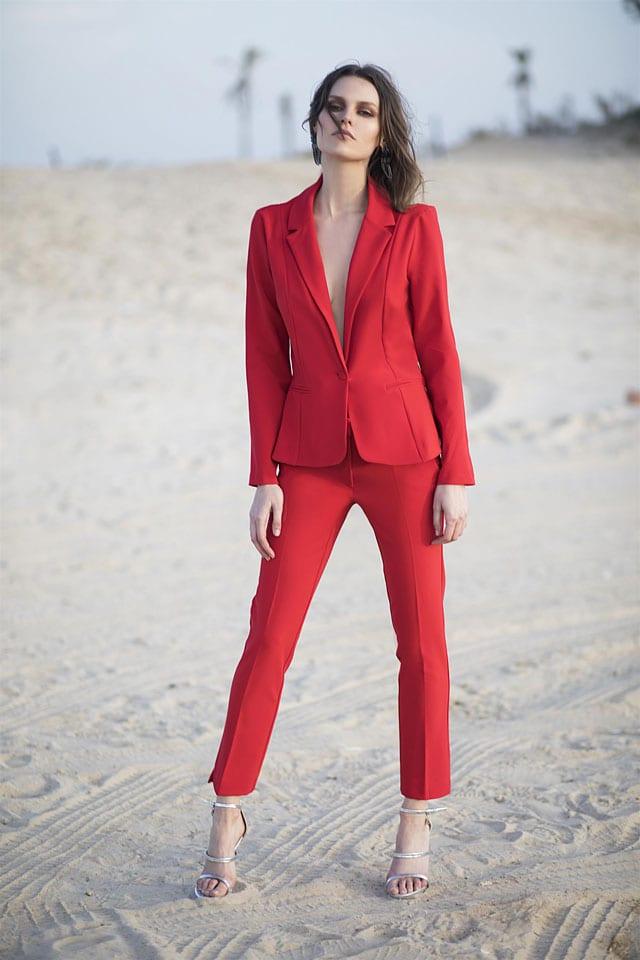 חליפה אדומה לנשף פרום של איזבלה, חליפה אדומה לנשים, צילום רונן פדידה