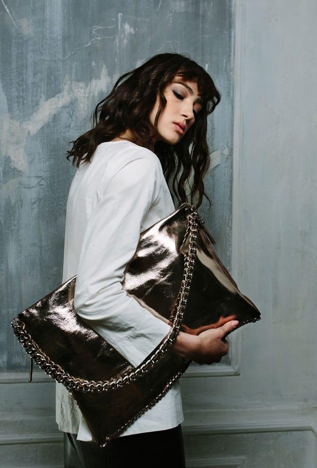 תיק קלאצ׳ של Massimiliano Incas. צילום: יח״צ, efifo, אתר אופנה