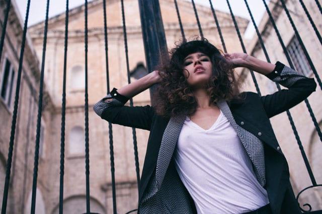 EFIFO אתר אופנה, EFIFOת אופנה: לאן הולכת אופנת הגברים שלנו. צילום: מיכאל סנט-איב (Michael St-Yves), סטיילינג: קורל לידור (Coral Lidor), דוגמנית: סבינה יוסופובה (Sabina Yusupova) ל-PMA-1