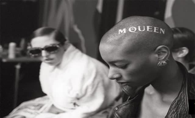 McQueen, אלכסנדר מקווין, מגזין אופנה, מגזין אופנה ישראלי, אופנה, Efifo, Fashion, Fashion Magazine