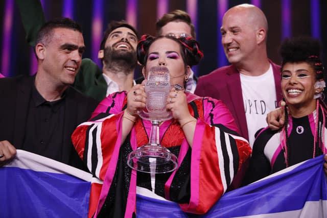 נטע ברזילי זוכת האירוויזיון 2018, Netta, נטע ברזילי, Netta Barzilai, TOY, מגזין אופנה, מגזין אופנה ישראלי, Efifo, אופנה - netta barzilai eurovision, netta toy, Netta wins Eurovisiont 2018, הגולגולים של נטע ברזילי -84
